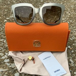 NWT 💋 TORY BURCH Retro Style Sunglasses